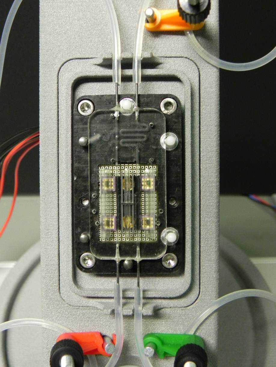 Infrared spectroscopy based, minimally invasive glucose sensor prototype, developed by IMM